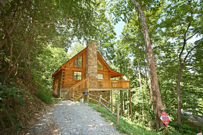 Honeymoon cabin rental between gatlinburg and pigeon forge - 3 bedroom cabins in gatlinburg tn cheap ...