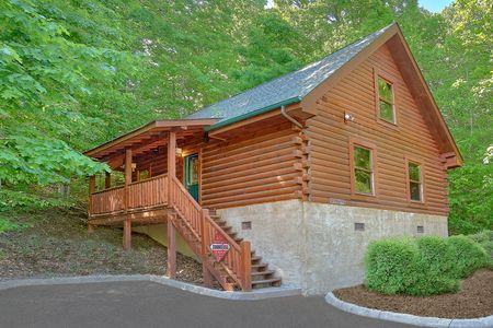 Amore Mountain Retreat: 1 Bedroom Sevierville Cabin Rental