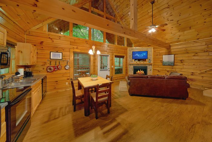 1 Bedroom Cabin with Spacious King Suite - Git - R - Done