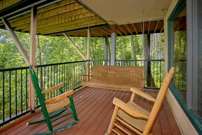 Cabin with porch swing and Mountain Views - Grand Pinnacle