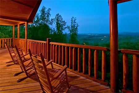 Big Bear Lodge: 7 Bedroom Sevierville Cabin Rental