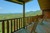Cabin with mountain views that sleeps 20