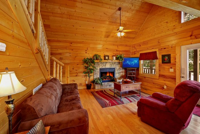 Cabin with Fireplace in Living Room - Great Escape