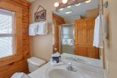 2 Bedroom 2 & 1/2 Bath Cabin in Big Bear Resort