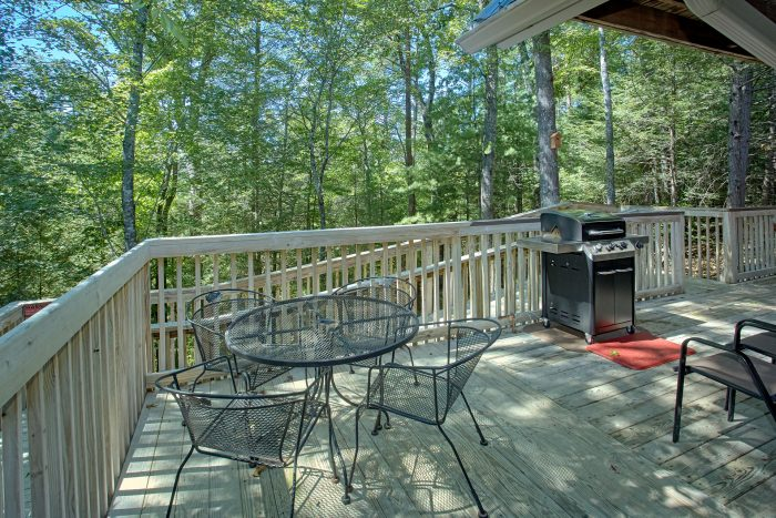 Cabin with Gas Grill and Private Deck - Happy Trails