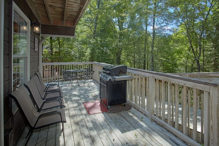 4 Bedroom Cabin in Brookstone Village with grill - Happy Trails