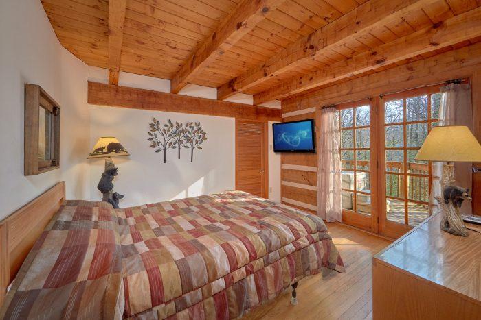 Main Level Queen Bedroom with Flat Screen TV - Hearts Desire