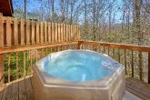 5 Bedroom Cabin Near Gatlinburg with Hot Tub