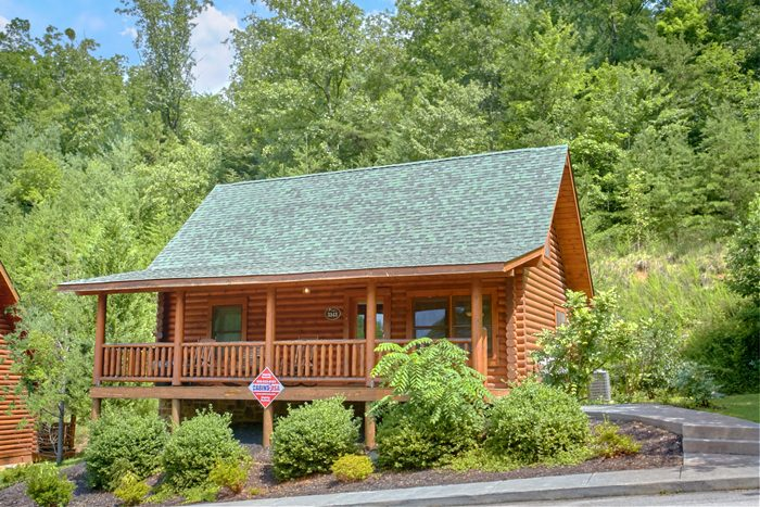 Gatlinburg area cabin in wears valley smoky mountain ridge for Cabin rentals near smoky mountains