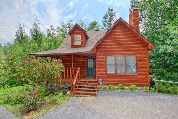2 Bedroom Premium Cabin in Gatlinburg - Hemlock Hideaway