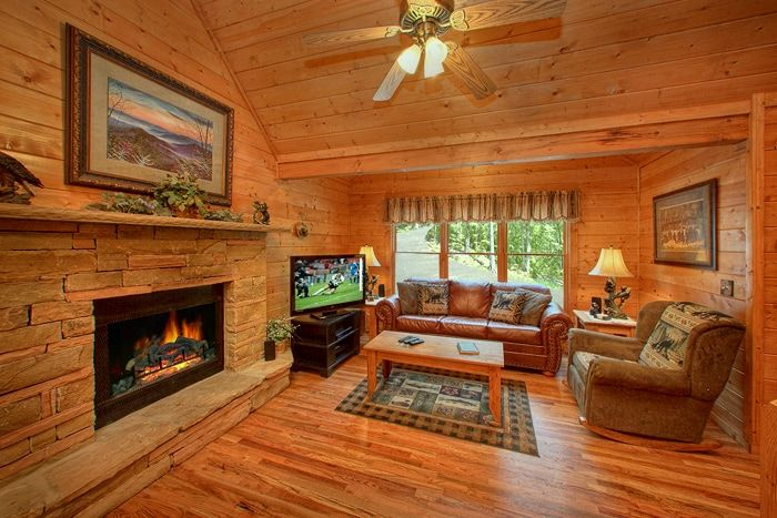 Gatlinburg Cabin Fully Furnished with Fireplace - Hemlock Hideaway