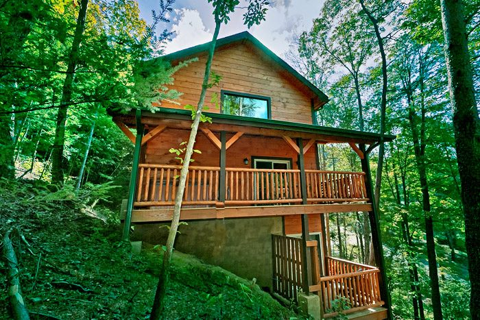 Smoky mountain cabin with private pool wears valley for Private cabin rentals in tennessee