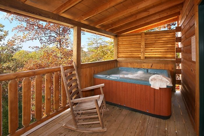 Honey Moon Cabin with a Private Hot Tub - Hideaway Heart