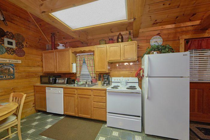 Open Kitchen 2 Bedroom Cabin Sleeps 6 - Hide-A-Way Point