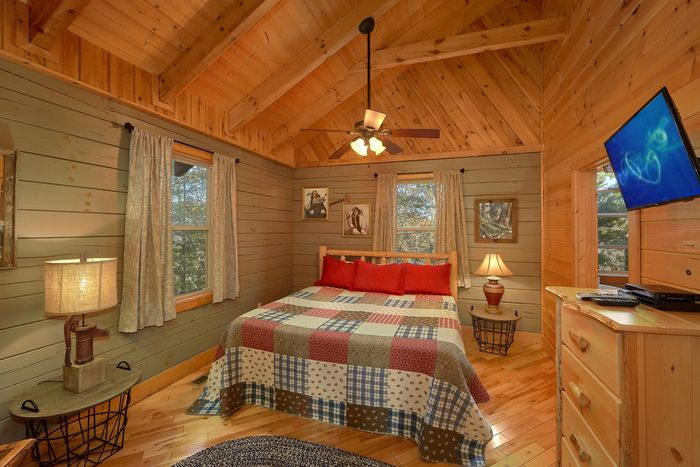 1 Bedroom Cabin with an Additional Queen Bed - Higher Ground