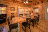 Luxury 3 Bedroom Cabin with Spacious Dining Area