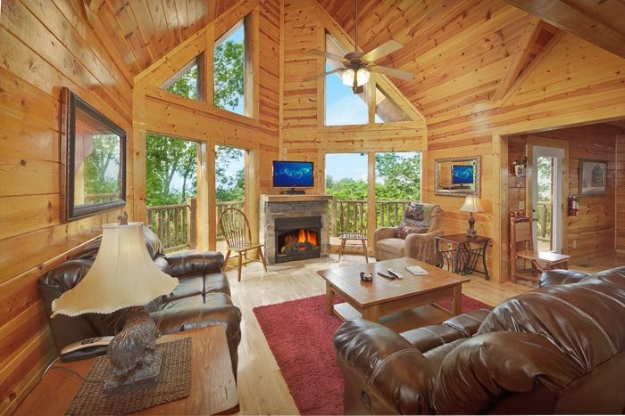 Tennessee vacation rental hilltop hideaway for Large cabin rentals in tennessee