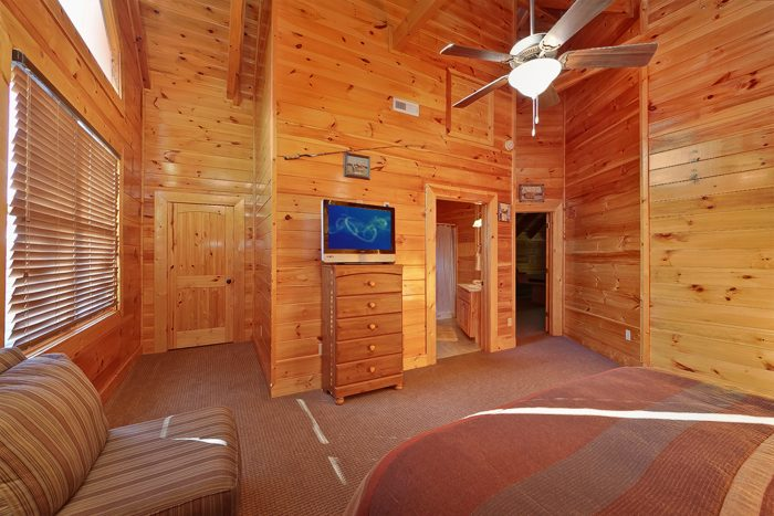 Premium Pigeon Forge Cabin with Flat Screen TV's - Hook, Line and Sinker