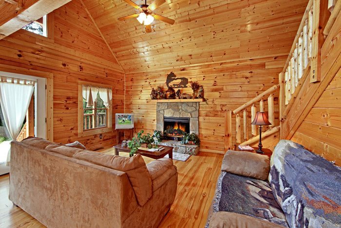 Country Cabin with Living Room - Horsin Around