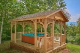 2 Bedroom Cabin with Private Hot Tub and Gazebo