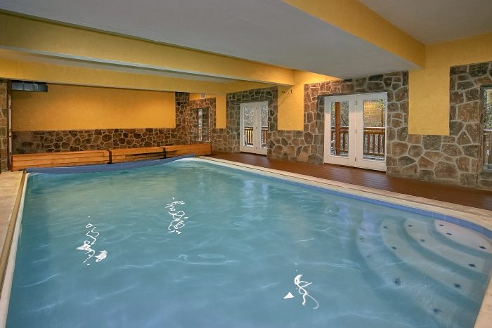 Luxury group cabin in the smoky mountains indoor pool lodge Cottages with swimming pools to rent
