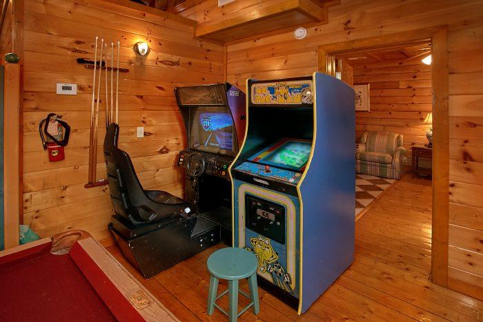 8 Bedroom Sleeps 28 with Arcade Games - Indoor Pool Lodge