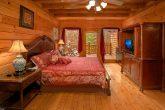 8 Bedroom Cabin Sleeps 28 Main Floor Bedroom