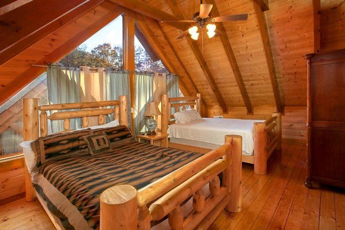 8 Bedroom Cabin Sleeps 28 with Extra Beds - Indoor Pool Lodge