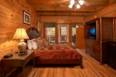 8 Bedroom Cabin Sleeps 28 in Black Bear Resort