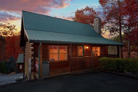 A Bears Gatlinburg Den: 1 Bedroom Gatlinburg Cabin Rental