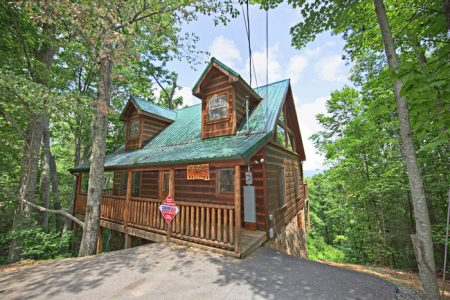 Honeysuckle Home: 1 Bedroom Pigeon Forge Cabin Rental
