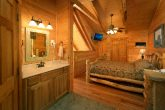 1 Bedroom cabin with a King bed in loft