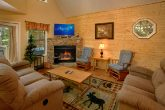 Luxury Cabin with a Furnished Living Room