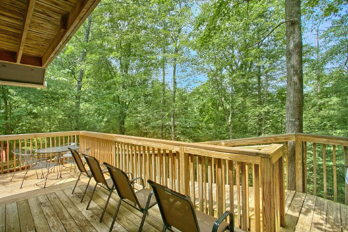 4 Bedroom Cabin with Ramp Access to deck - Happy Trails