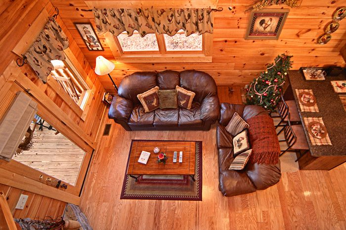 Cabin with Cozy Living Room - Kisses & Wishes