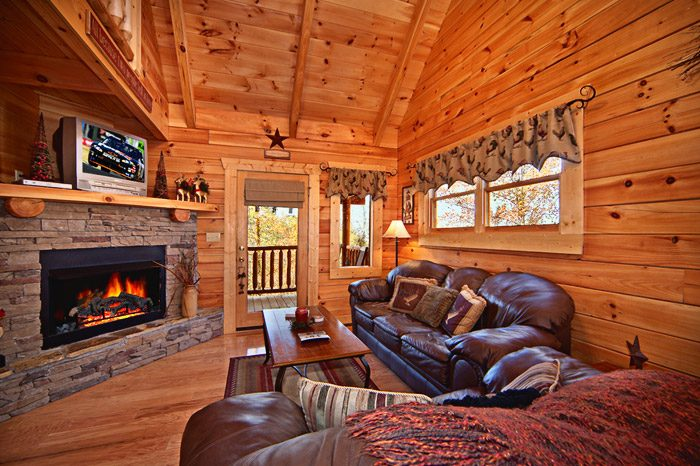 Cabin with Living Room and Fire Place - Kisses & Wishes