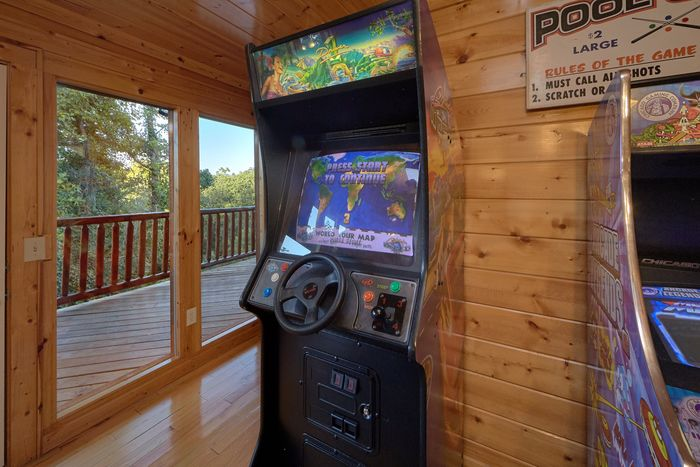 4 Bedroom Cabin with Race Car Arcade Game - Knockin' On Heaven's Door