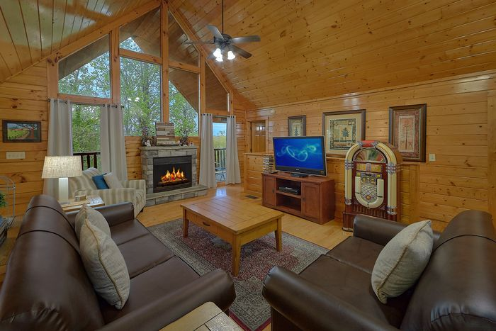 Premium Fully Furnished 4 Bedroom Cabin - Knockin' On Heaven's Door
