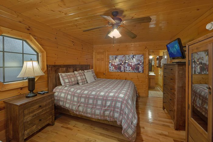 Smoky Mountain Cabin with Arcade Games - Knockin' On Heaven's Door