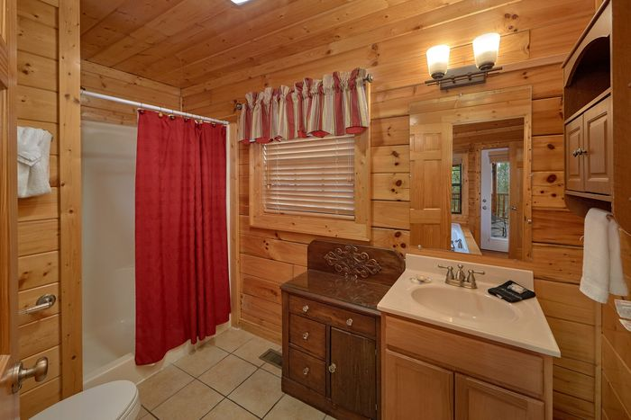Premium Cabin that Features a Private Hot Tub - Knockin' On Heaven's Door