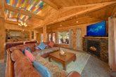 Luxurious Gatlinburg 4 Bedroom Cabin Sleeps 8