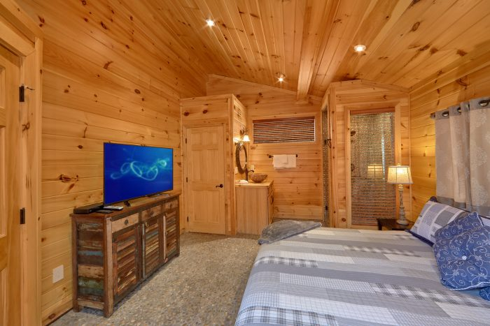 Large Master Suites with Private Bath Rooms - La Dolce Vita