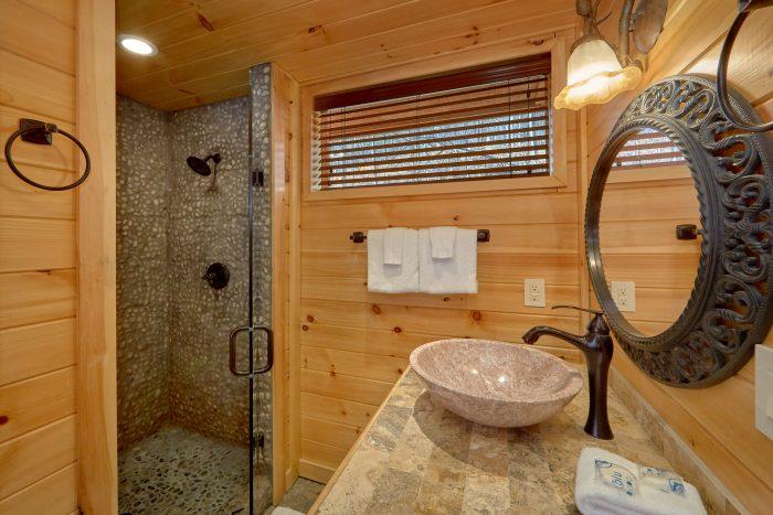 Large Walk In Showrs in all Bedrooms - La Dolce Vita