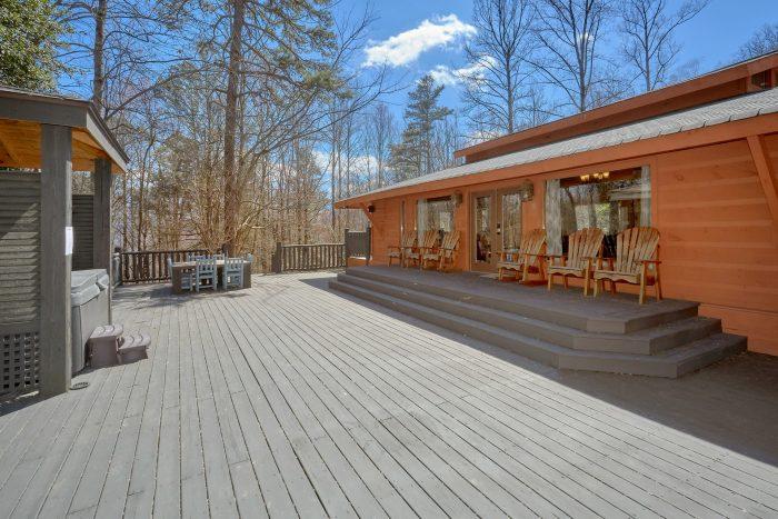 4 Bedroom Cabin with Large Back Deck - La Dolce Vita