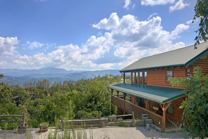 Luxury 3 Bedroom Cabin with Mountain Views - Lasting Impression