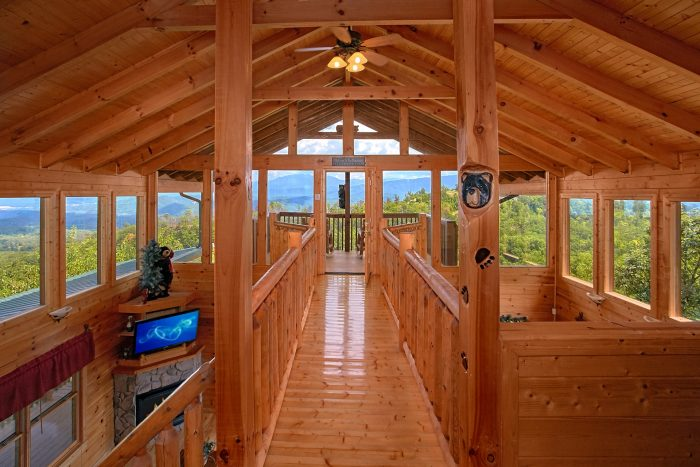 Premium Cabin with Breathtaking Mountain Views - Lasting Impression