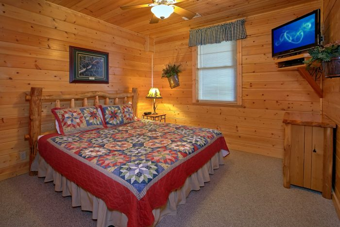 Luxury Cabin with 2 Private Master Suites - Lasting Impression
