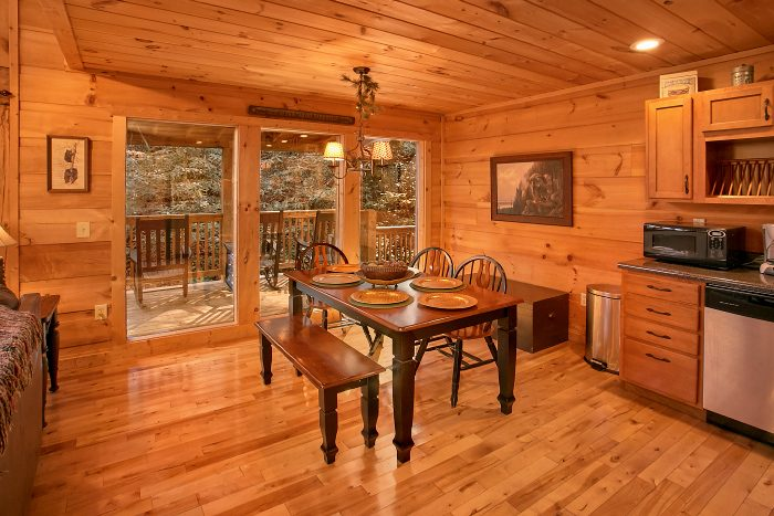 3 Bedroom Cabin with Dining Room and Kitchen - Laurel Creek