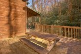 Gatlinburg Cabin with Picnic Table on Deck