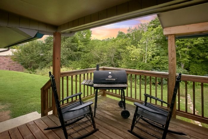 6 Bedroom Cabin with BBQ Grill - Lazy Days Lodge